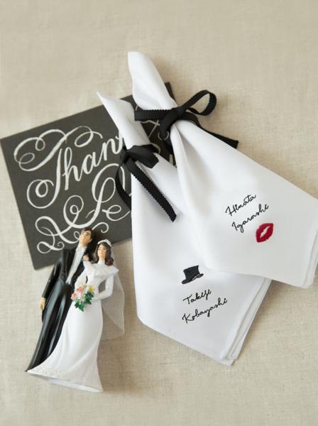 結婚式の席札アイデア「名前刺繍ハンカチ」をオーダーするなら